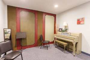 piano lesson room